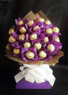 ferrero rocher chocolate bouquet hamper perfect for birthdays weddings hospital anniversary graduation farewell get well ? Diy Bouquet, Candy Bouquet, Sweet Bouquets Candy, Candy Flowers, Regalos Mujer Ideas, Chocolates Ferrero Rocher, Ferrero Rocher Bouquet, Chocolate Flowers Bouquet, Sweet Trees