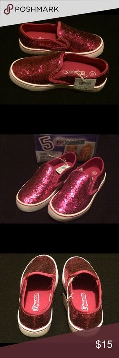 NWT Girls PINK Shoes - Sneakers NWT! Rubber sole, good sturdy shoes. Sparkly pink! Liv & Maddie Shoes Sneakers