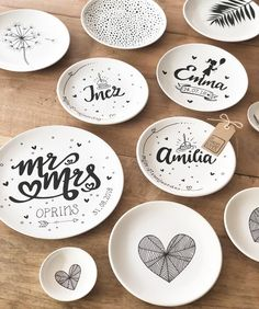 Now making ✍🏻 free work! New ideas often arise. - hind - Yeni Dizi - Now making ✍🏻 free work! New ideas oft Hand Painted Pottery, Pottery Painting, Ceramic Painting, Ceramic Art, Pottery Tools, Pottery Mugs, Ceramic Pottery, Pottery Art, Painted Plates