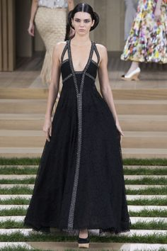 Chanel Spring 2016 Couture Fashion Show - Kendall Jenner (Elite)