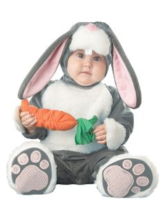 Costume coniglietto per bébé su VegaooParty, negozio di articoli per feste. Scopri il maggior catalogo di addobbi e decorazioni per feste del web, sempre al miglior prezzo!