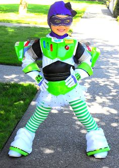 Buzz Lightyear! This would totally be me or if I were to ever have a little girl!!!!