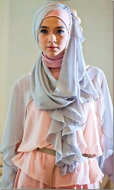 Hijab Fashion-Pastel Trends for you Hijab Chic, Hijab Dp, Muslim Hijab, Muslim Dress, Mode Hijab, Hijab Styles, Scarf Styles, Islamic Fashion, Muslim Fashion
