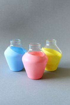 DIY - Paint your vases without painting, easy to make, you need only balloons, tutorial in German with image