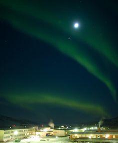Conjunción Luna - Júpiter y auroras boreales. Kangerlussuaq, Groenlandia. 2 de enero de 2012  Foto: Andrei Penescu