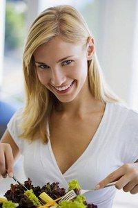 Leichte Wintergerichte - Stopp dem Heißhunger: Ausgewogene Ernährung ohne Gewichtszunahme - OK - Es wäre schon ziemlich deprimierend, bei diesen ungemütlichen Temperaturen ganz auf eine heiße Lasagne oder ein leckeres Raclette zu verzichten. Unsere Schlemm-Tipps schaffen Abhilfe...