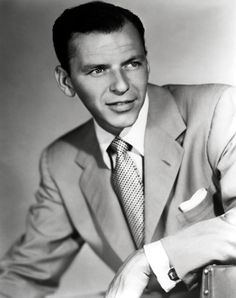 Frank Sinatra : one of the Biggest Music legends of the 20th century