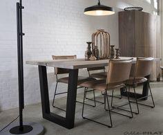 Industriële Tafel Twa met rustieke eiken planken wordt op maat gemaakt - Woonwinkel Alle Pilat