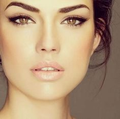 Do you want a natural make-up that is easy to make and usable every day? Seven simple makeup tutorials for a Nude and chic make up. Make up # 1 Make up # 2 … Source by Wedding Day Makeup, Wedding Beauty, Wedding Hair And Makeup Brunette, Bridal Makeup Natural Brunette, Bridal Beauty, Bridal Makeup For Brunettes, Brunette Girl, Wedding Makeup Brunette, Bridesmaid Makeup Natural