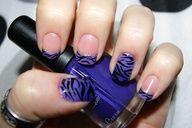 Zebra stripes on purple gradient  tips with glitter nail art design (kalisnap / reddit laqueristas)