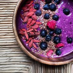 Oats don't have to be boring. There are so many ways you can include them in your breakfast!