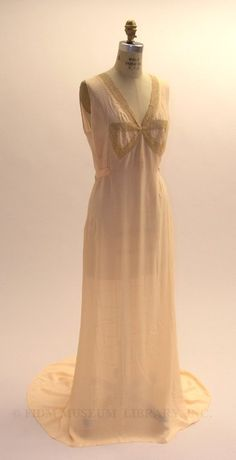 Night gown  c. 1935  Gift from the Estate of Martha Wells  2006.859.1  I want so many nightgowns!