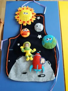 uzay hikâye önlüğü English Activities, Activities For Kids, Felt Crafts, Diy And Crafts, Sewing Crafts, Sewing Projects, Needle Felting, Puppets, Art For Kids