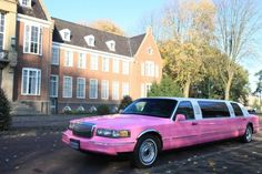 """Lincoln Limousine """"Pink Limo"""""""
