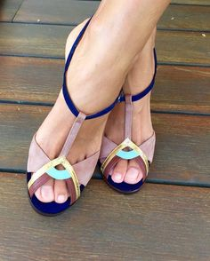 Lovely color mix! I want these sandals