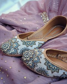 Image may contain: shoes Dress Up Shoes, Indian Shoes, Stylish Sandals, Bride Shoes, Beautiful Shoes, Shoe Collection, Cute Shoes, Comfortable Shoes, Designer Shoes