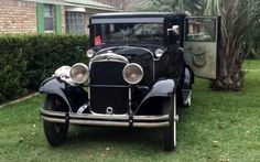 1929-Plymouth-Sedan