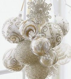 Beautiful DIY Christmas wreaths & other decor. Description from pinterest.com. I searched for this on bing.com/images