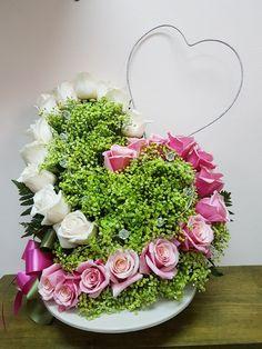 ༺♥Yanet♥༻ - My site Valentine Flower Arrangements, Church Flower Arrangements, Church Flowers, Valentines Flowers, Beautiful Flower Arrangements, Floral Arrangements, Nylon Flowers, Fresh Flowers, Red Centerpieces