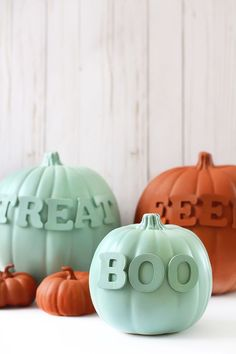 "Make these creative pumpkins with this tutorial. These ""no carve"" modern pumpkins are painted mint and terracotta and decorated with Halloween sayings! Spooky Halloween Crafts, Halloween Words, Halloween Cans, Halloween Pictures, Diy Halloween Decorations, Cute Halloween, Holidays Halloween, Halloween Pumpkins, Halloween Sayings"