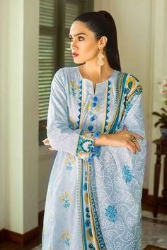 Gul Ahmed Summer Essential Collection 2019 Neck Designs For Suits, Sleeves Designs For Dresses, Neckline Designs, Dress Neck Designs, Stylish Dress Designs, Stylish Dresses, Blouse Designs, Pakistani Fashion Casual, Pakistani Dresses Casual