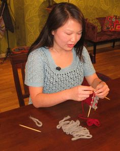 Quick Tip: Thrumming with Eunny Jang, from Knitting Daily TV Episode 811 - Knitting Daily