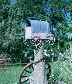 Post funny or strange looking mailboxes here?
