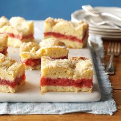 Strawberry Rhubarb Coffee Cake -Although my coffee cake makes a large pan, it never lasts very long! It's great for a Sunday brunch after church and nice to bring to family reunions, too. —Dorothy Morehouse, Massena, New York Strawberry Rhubarb Recipes, Strawberry Fields, Rhubarb Coffee Cakes, Rhubarb Cake, Rhubarb Desserts, Cake Recipes, Dessert Recipes, Potluck Recipes, Dinner Recipes