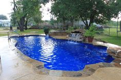 LoneStar Fiberglass Pools | Swimming Pool Quotes