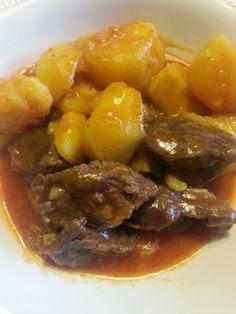 Aprendí a cocinar y ¡menuda cruz!: Carne Guisada con Patatas.