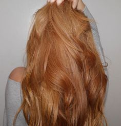 Frisuren & Make-up long strawberry blonde / copper blonde hair color Ginger Hair Color, Strawberry Blonde Hair Color, Red Hair Color, Purple Hair, Color Black, Balayage Hair, Ombre Hair, Haircolor, Champagne Blonde Hair