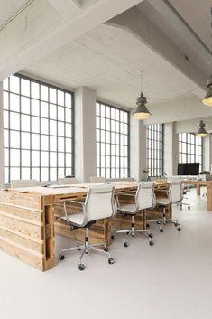 White office Industrial - Impressive Office Lamp Design Ideas For Your Home Office. Bureau Design, Workspace Design, Office Interior Design, Office Interiors, Office Designs, Office Space Design, Open Space Office, Industrial Office Space, Industrial Design