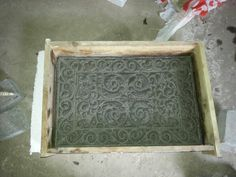 In progress...gårsdagrns prosjekt med Irene Haugen. Støping av hageheller i betong. Står til tørking