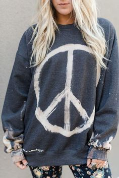 peace sign sweatshirt by Bleached Dyed Sweatshirts Gebleichte Shirts, Bleach Shirts, Bleach Clothes, Fashion Tips For Women, Diy Fashion, Fall Fashion, Gypsy, Hippie T Shirts, Bohemian Style Clothing