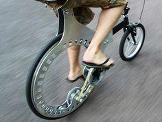 Interesting hubless wheels design