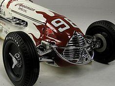 La marque de véhicules automobile Américaine Agajanian fut fondée en 1952 et arrête son exploitation de voitures en 1962.