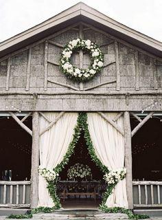 Rustic and Elegant Barn wedding venue / http://www.deerpearlflowers.com/rustic-wedding-details-ideas-you-will-love/
