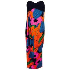 Preowned Emanuel Ungaro Parallele Hot Tropical Print Strapless Maxi... ($895) ❤ liked on Polyvore featuring dresses, black, pleated maxi dresses, side slit dress, zip dress, corset dresses and pleated dress