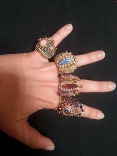 Nikia Angel's Finger Crown Rings! Wow!