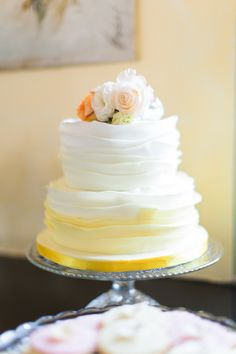 Lovely ombre yellow wedding cake!