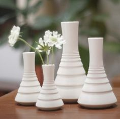 White Modern Ceramic Ripple Vase by Sara Paloma