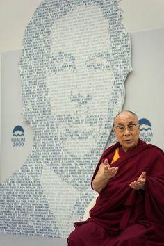 Dalajláma - fotografie Dalajlámy z festivalu demokracie Forum 2000 Dalai Lama, Graphic Design, Events