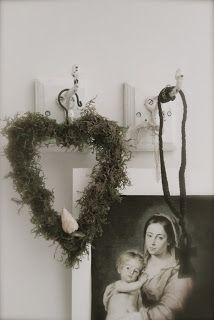 Julen nalkas i advent Och det fjärde ljus blir tänt. På Guds lille son vi tänker, när de fyra ljusen blänker.      kram och kärlek till er...