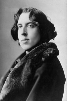 A very good collection of Oscar Wilde Quotes. Oscar Wilde was an Irish playwright, novelist, poet, and author of short stories. Book Writer, Book Authors, Books, Writers And Poets, Foto Art, Playwright, Famous Faces, Famous People, History