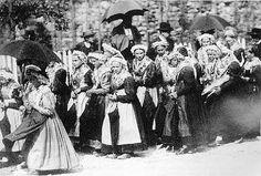 Im Juni 1899 feierte Haslach im Kinzigtal ein großes Trachtenfest, zu dem der Schwarzwälder Volksschriftsteller Heinrich Hansjakob Trachtenv...
