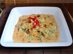 Guacamole, Mashed Potatoes, Meat, Chicken, Ethnic Recipes, Food, Whipped Potatoes, Smash Potatoes, Essen