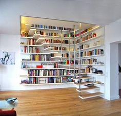 escalier bibliothèque design en couleur blanche et escalier flottant avec étagère murale