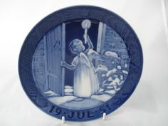 """1951 "" ROYAL COPENHAGEN CHRISTMAS OLD PLATE"