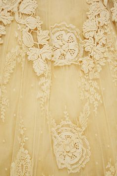 Vintage Lace Wedding Dress ~ Design House: Raudnitz and Co. - Huet and Chéruit (French), Circa 1900 Antique Lace, Vintage Lace, Vintage Yellow, Yellow Aesthetic Pastel, Fru Fru, Linens And Lace, Irish Lace, Mellow Yellow, Bright Yellow