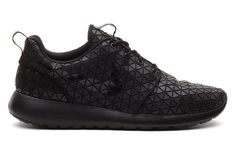 "Nike WMNS Roshe Run ""Geometric"" Black/Metallic Silver"